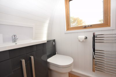 The Stag - Luxury Micro Lodge Bathroom