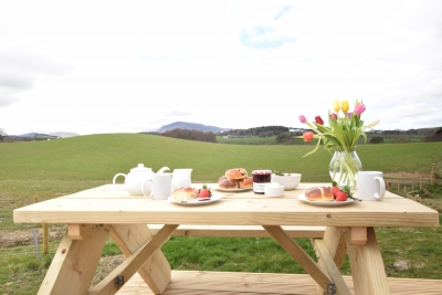 Al fresco dining at the hare micro lodge